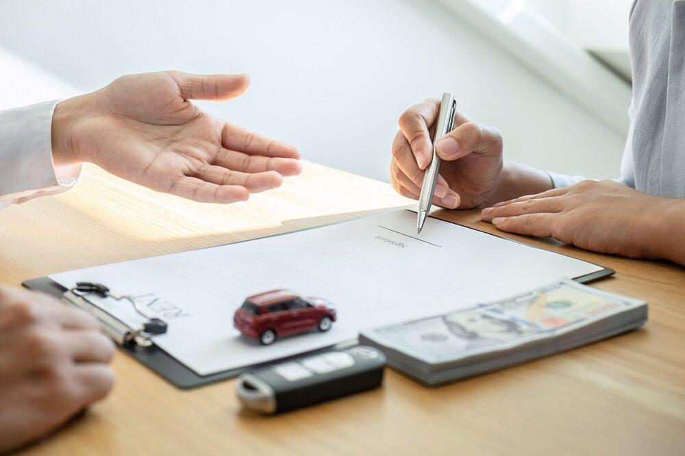 Uważna lektura to podstawa. Na co zwrócić uwagę, przeglądając regulaminy wypożyczenia samochodów?