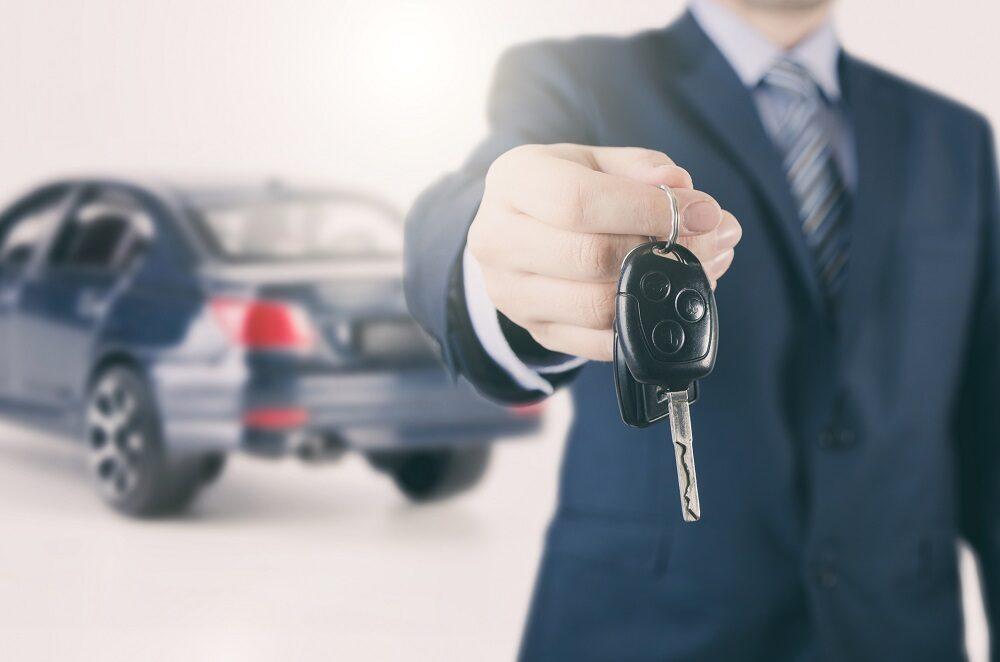 Czy wynajętym samochodem można wyjechać za granicę?